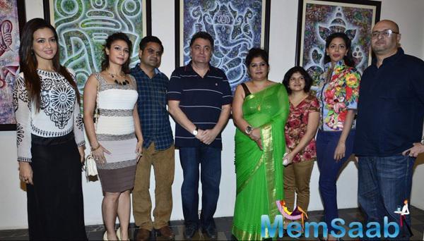Sana Khan,Tanishaa Mukerji And Rishi Kapoor Posed During The Inauguration Of Dr. Seema Chaudhary And Nitin Chaudhary Art Show