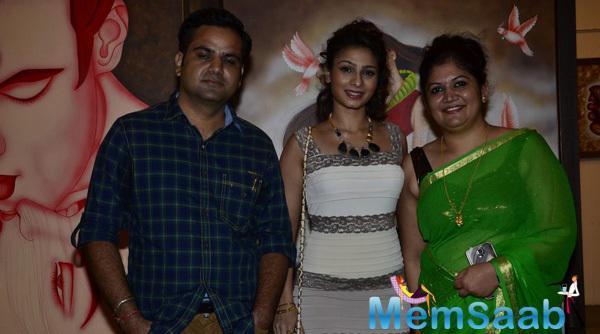 Tanishaa Mukerji Posed At Dr. Seema Chaudhary And Nitin Chaudhary Art Show Inauguration