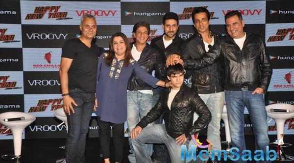 Farah,Shah Rukh,Abhishek,Sonu,Boman And Vivaan Clicked During The HNY Mobile Game Success Celebration