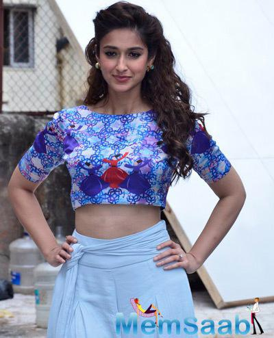 Ileana D'Cruz Looked Enticing During The Press Meet Of Happy Ending Movie