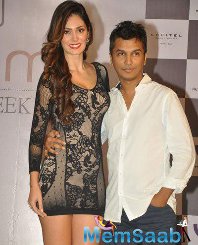 Bruna Abdullah Posed With Fashion Desinger Vikram Phadnis During The Announcement Of Madame Style Week
