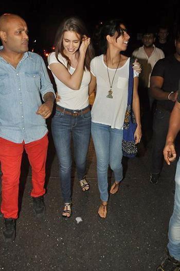 Kalki Koechlin Spotted With A Friend At Bandra Mumbai