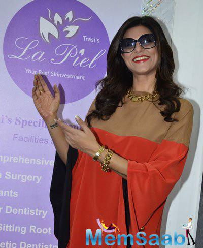 Sushmita Sen Strikes A Pose For Media At The Launch Of A Genetic Based Anti-Ageing Solution