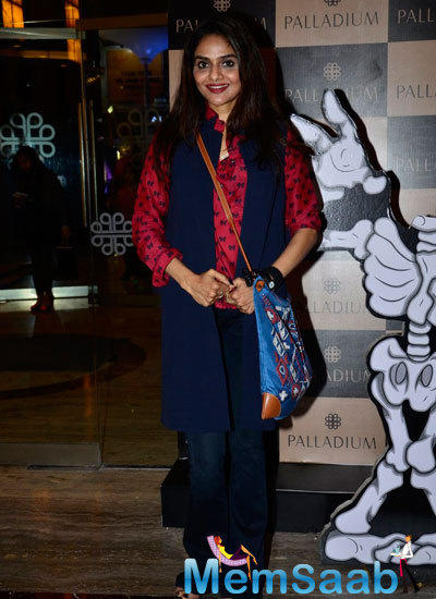 Madhoo Arrived In Simple Casual Outfits At Palladium Halloween Bash