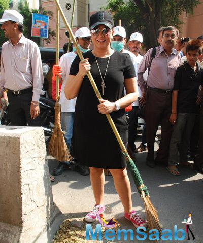 Mahima Chaudhry Poses With A Broom Stick At Cleanliness Drive By Nahar Group