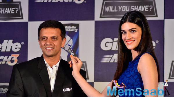 Rahul Dravid And Kriti Sanon Posed For Media At Gillette Campaign Promotional Event