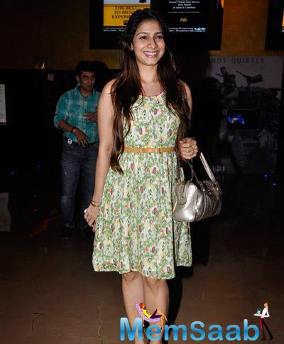 Actress Tanishaa Mukerji Looks Gorgeous In Her Outfit During The Premiere Of The Film Interstellar