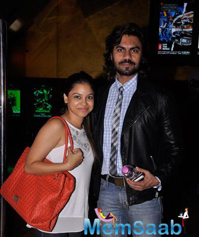 Sumona Chakravarti And Gaurav Chopra Posed For Camera During The Premiere Of The Film Interstellar