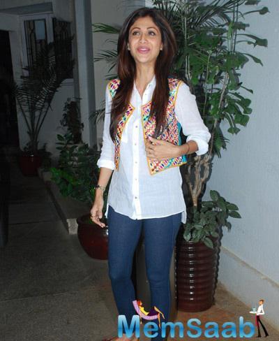 Shilpa Shetty Snapped At Punjabi 3D Animation Film Chaar Sahibzade Special Screening
