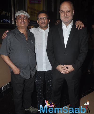 Piyush Mishra,Annu Kapoor And Anupam Kher Posed At The Screening Of Shaukeens Movie