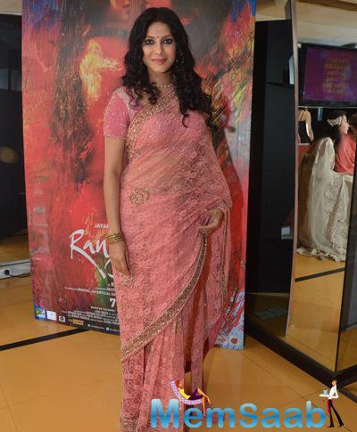 Nandana Sen In Peach Saree Fabulous Look At The Screening Of Rang Rasiya