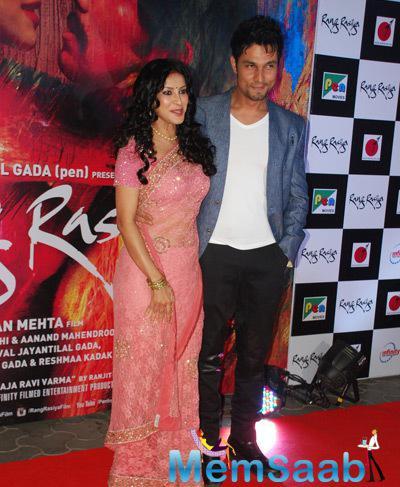Nandana Sen Posed With Randeep Hooda During The Screening Of Rang Rasiya