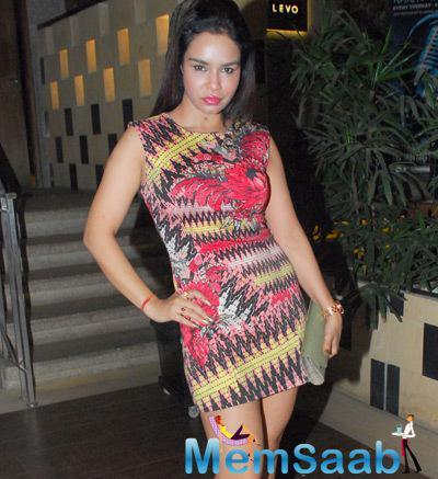 Kavitta Verma Sexy Hot Look During The Birthday Bash Of Designer Rohit Verma