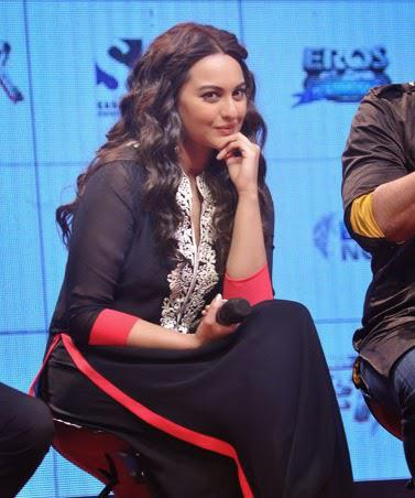 Sonakshi Sinha Nice Look During Tevar Movie Trailer Launch