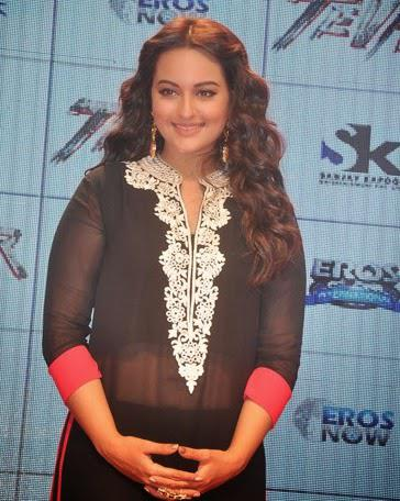 Sonakshi Sinha Stunning Look During Tevar Movie Trailer Launch