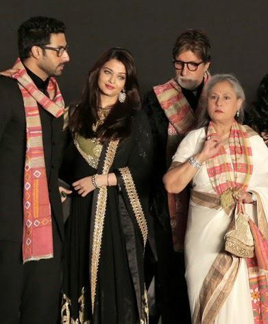 Abhishek With Wife Aishwarya, Dad Amitabh And Mom Jaya Clicked During The Opening Ceremony Of 20th Kolkata Film Fest