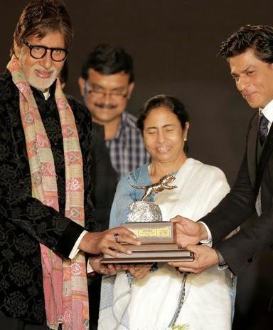 Amitabh Bachchan,Mamata Banerjee And Shah Rukh Posed At The Opening Ceremony Of 20th Kolkata Film Fest