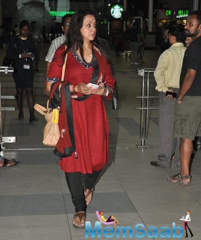 Hema Malini Nice Look At Mumbai International Airport