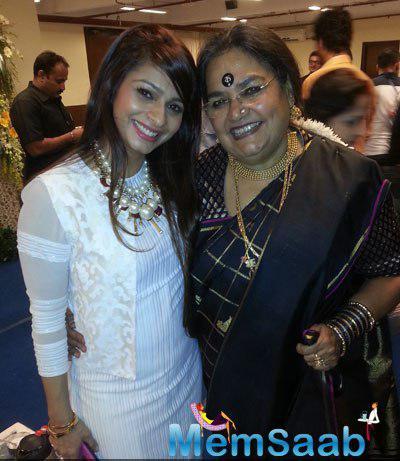 Tanuja Mukherjee And Singer Usha Uthup Cool Pose During 20th Kolkata International Film Festival