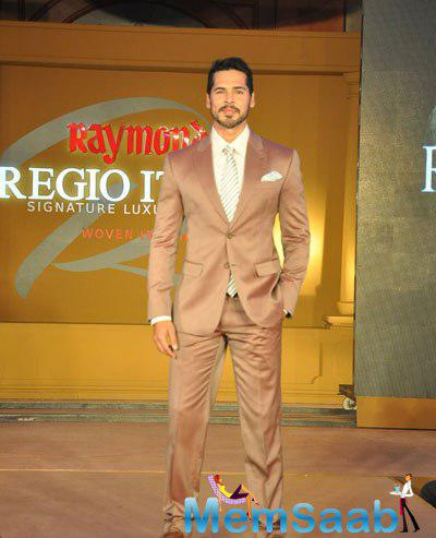 Dino Morea Sashayed Down On Ramp During The Launch Of Raymond Luxury Fabric