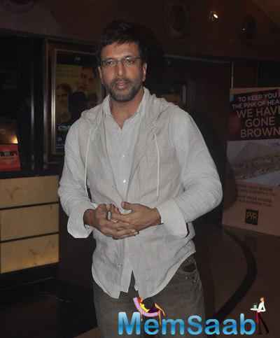 Javed Jaffrey Cool Pose For Camera At The Screening Of Garam Hawa Film