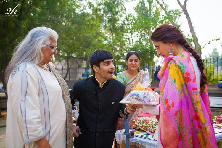 Beena Kak And Kareena Kapoor Khan Spending Quality Time With Umang NGO Children
