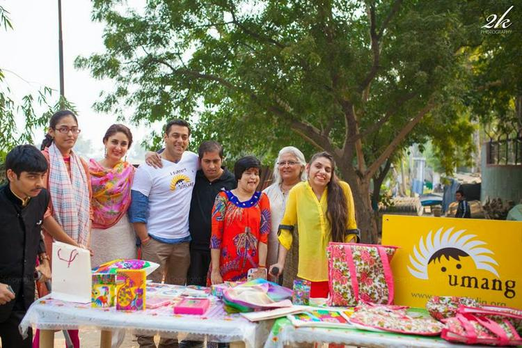 Kareena Kapoor Khan,Salman Khan And Beena Kak Posed With Kids From Umang NGO