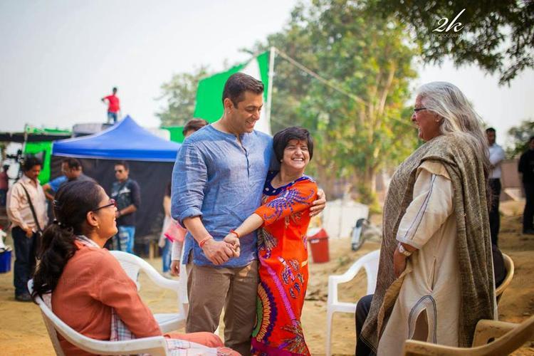 Salman Khan And Beena Kak Cool With Umang NGO Kids