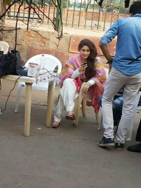 Kareena Kapoor Khan At Delhi Due The Shooting Of Bajrangi Bhaijaan