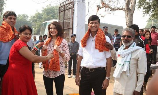 Anushka Sharma Smiling Look During The Launch Of Season 3 Support My School Campaign