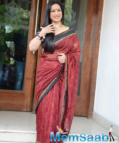 Divya Dutta In Saree Cool Look During The National Children Film Festival 2014