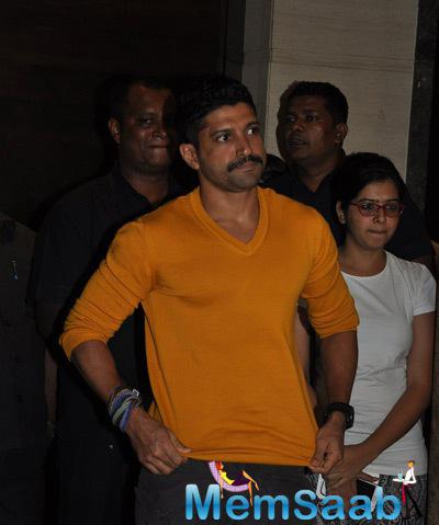 Farhan Akhtar Nice Look During The Screening Of Documentary Movie Hosted By Aamir Khan