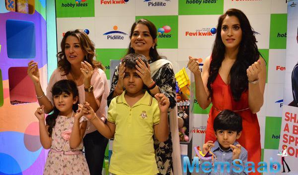 Perizaad Zorabian,Shaina NC And Rashmi Nigam Posed With Kids During Children Day Celebrations