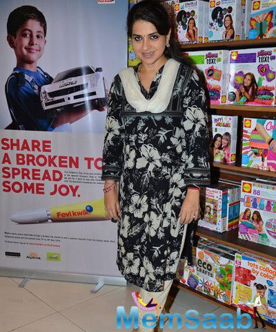 Shaina NC Nice Simple Look During Children Day Celebrations