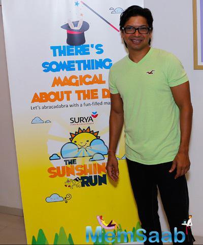 Shaan Cool Smiling Pose During The Surya Sunshine Walkathon 2014