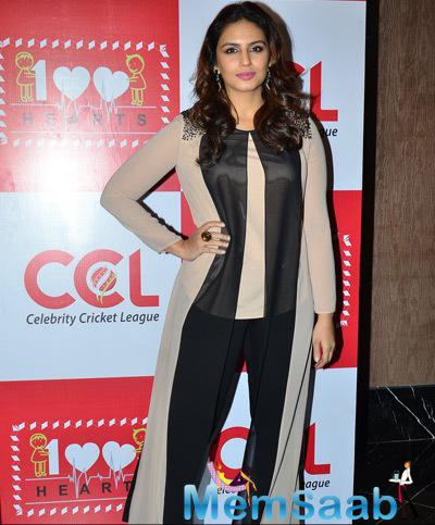 Huma Qureshi Chic Look During 100 Hearts Social Initiative Launch By CCL