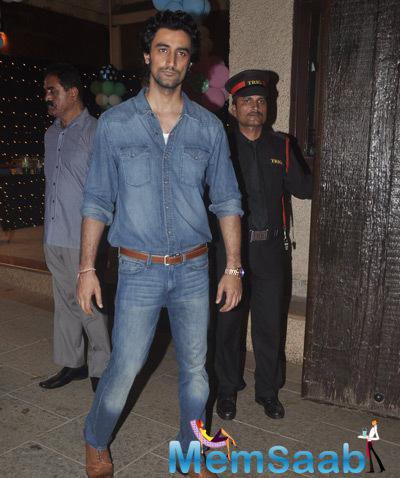 Kunal Kapoor Casual Look In Jeans Tee And Pant During Aaradhya Bachchan 3rd Birthday Party