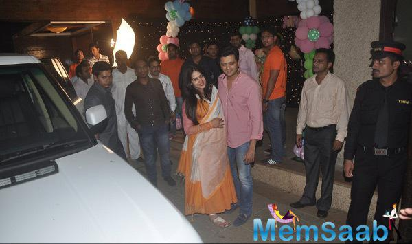 Riteish Deshmukh Along With Pregnant Wife Genelia Posed At Aaradhya Bachchan 3rd Birthday Party