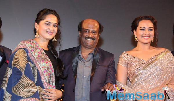 Anushka Shetty,Rajinikanth And Sonakshi Sinha Cool Pose During The Audio Launch Of Lingaa Movie