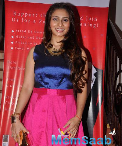 Tanishaa Mukerji Glamour Look During Charity Gala Dinner By Chip