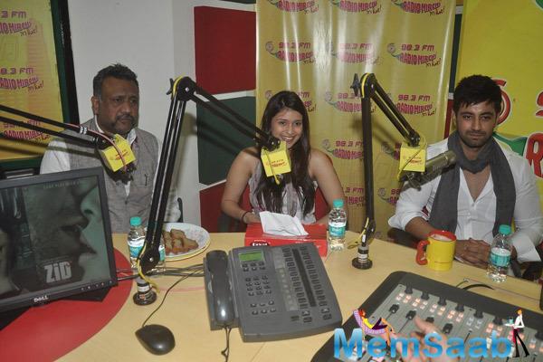 Anubhav Sinha,Mannara And Karanvir Sharma Promote Zid Movie At 98.3 FM