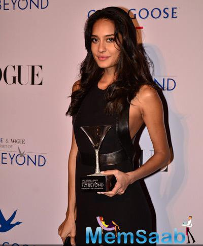 Lisa Haydon Sizzling Look During Grey Goose Fly Beyond Awards 2014
