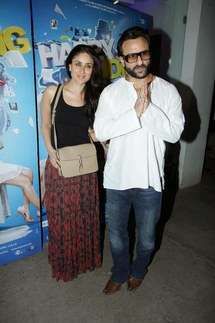 Kareena Kapoor Khan With Hubby Saif Ali Khan During Happy Ending Movie Screening