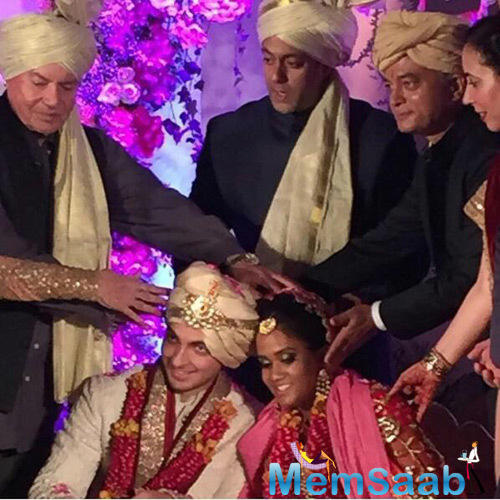 Dad Salim Khan And Big Bro Salman Khan Blessing Newly Wed Arpita Khan And Ayush Sharma