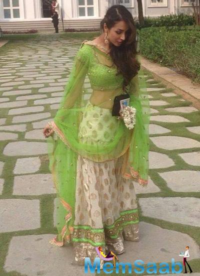 Malaika Arora Khan Gorgeous Look During Arpita Khan Wedding Ceremony