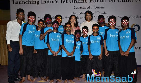 Juhi Chawla And Nagesh Kukunoor Posed With Kids During The Launch Of Aarambh India