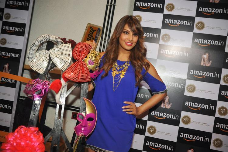 Bipasha Basu In Blue Dress Lovely Look During Amazon.In And The Label Corp Exclusive Partnership Event