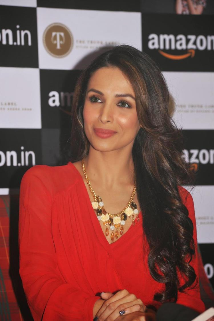 Malaika Arora Khan Cute Smiling Pose During The Announcement Of Partnership Between Amazon.In And The Label Corp