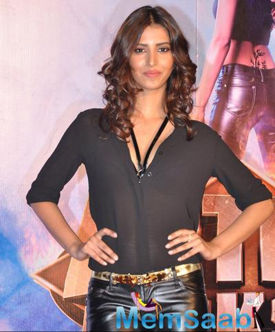 Manasvi Mamgai Stunning Look During The Launch Of Action Jackson Song Gangster Baby