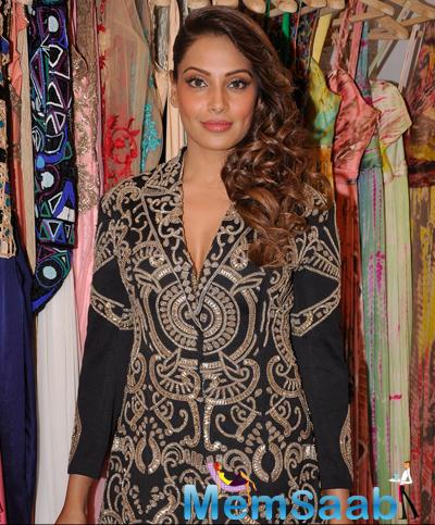 Bipasha Basu Fashionable Look During The Launch Of Sonaakshi Raaj Flagship Store